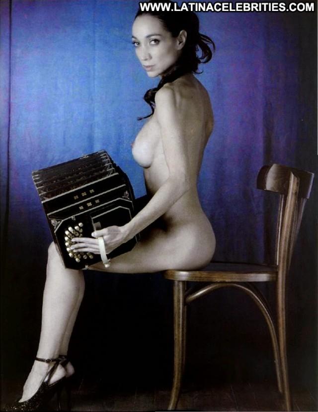 Mora Godoy Notiblog Latina Sultry Medium Tits Singer Brunette