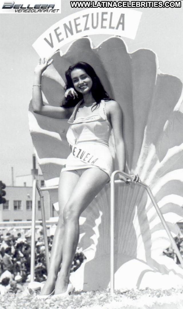 Susana Duijm Miss Venezuela Latina Beautiful Posing Hot Sensual Cute