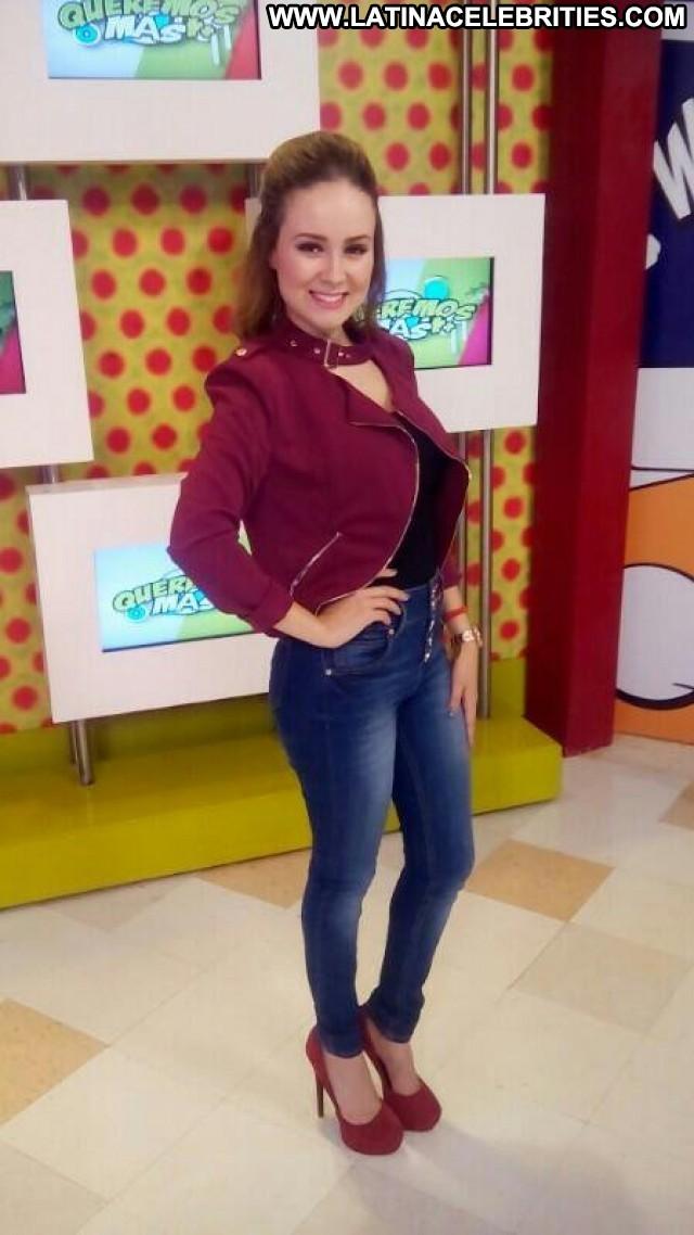 Jocy Perez Queremos Mas Nice Sexy Sensual Latina Brunette Stunning