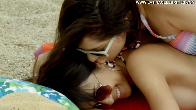 Javiera Franco Roommates Posing Hot Cute Latina Medium Tits Sultry