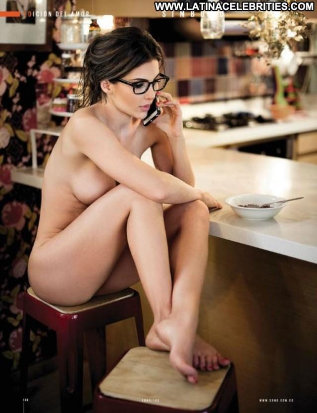 Natalia Velez Soho Brunette Beautiful Stunning Posing Hot Celebrity
