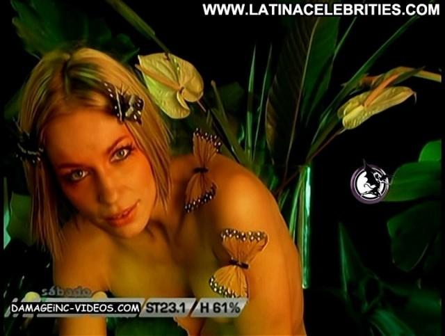 Ingrid Grudke Sabado Bus Latina Pretty Cute Skinny Nice Celebrity