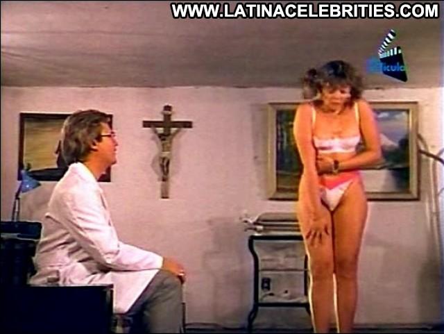 Angela Valverde Los Psiquiatras Ardientes Latina Small Tits Stunning