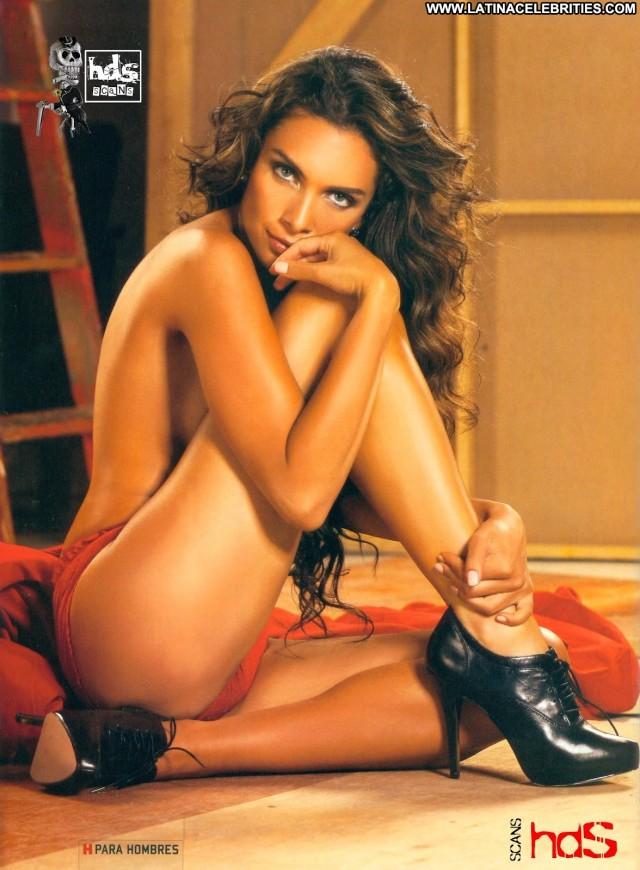 Maria De La Fuente H Para Hombres Gorgeous Latina Celebrity Sultry