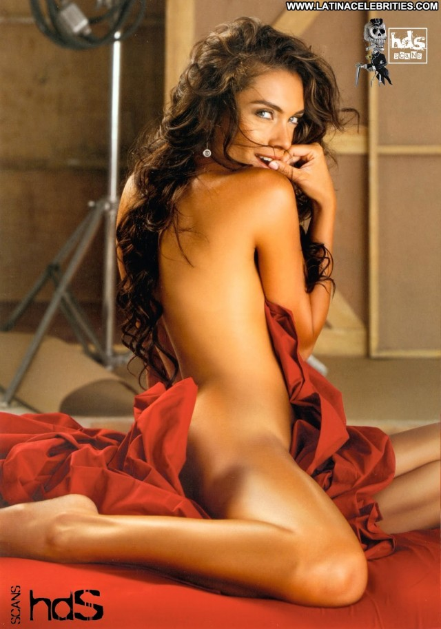 Maria De La Fuente H Para Hombres Gorgeous Latina Sultry Celebrity