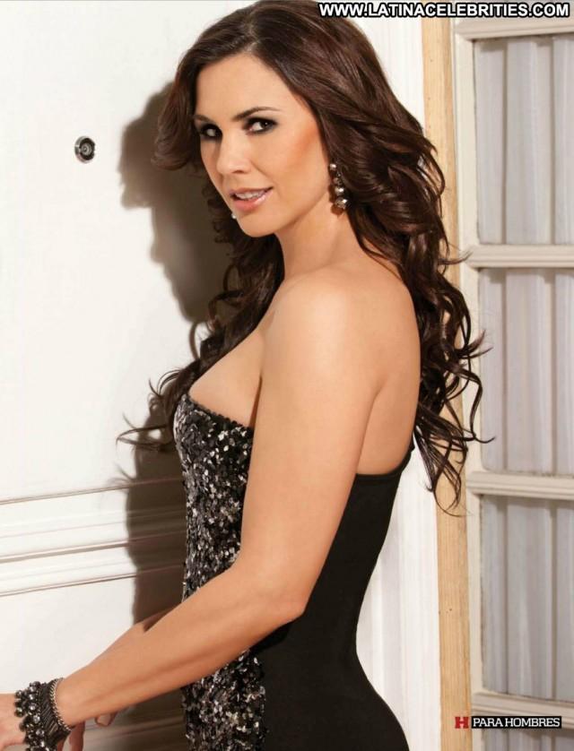 Paola Toyos H Para Hombres Singer Skinny Brunette Celebrity
