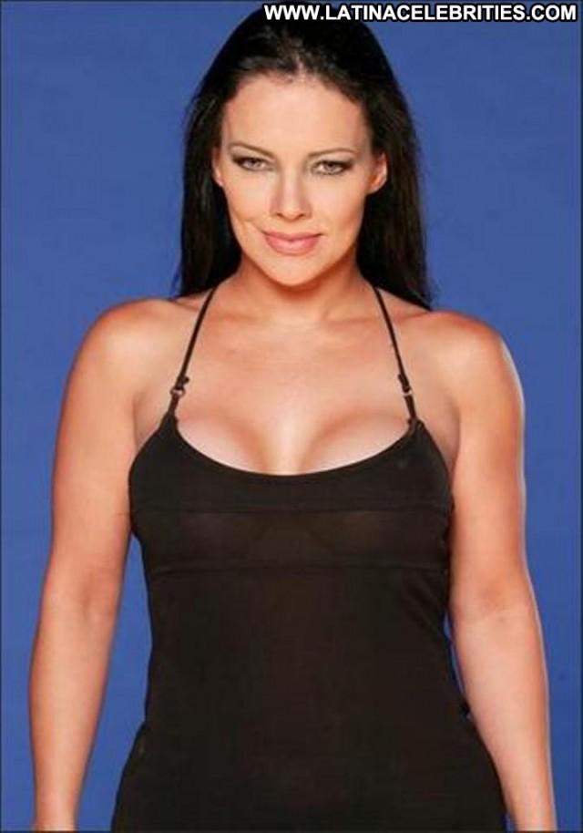 Yatana Maron Miscellaneous Celebrity Posing Hot Nice Brunette Singer