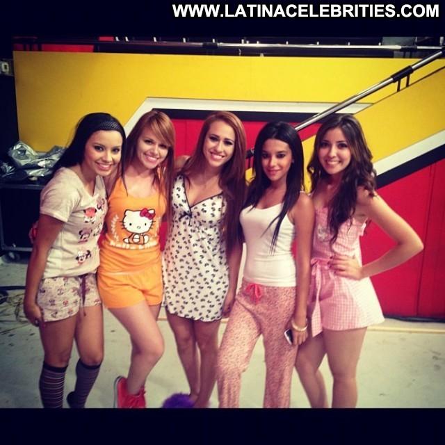 Ileana Padilla Desvelados Twitcam Brunette Cute Pretty Latina Sultry