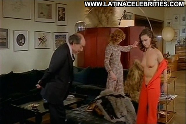 Paola Moreno Jugando A Pap Celebrity Sensual Brunette Latina Stunning