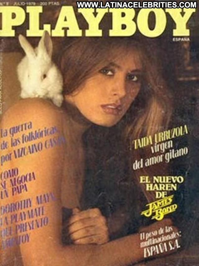 Taida Urruzola Miscellaneous Posing Hot Latina Medium Tits Celebrity
