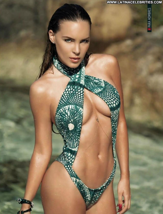 Belinda H Para Hombres Skinny Small Tits International Brunette