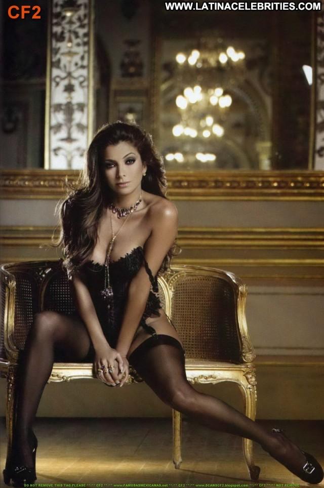 Pilar Montenegro H Para Hombres Medium Tits Brunette Celebrity Posing