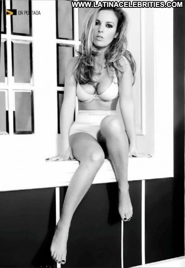 Mariana Torres Miscellaneous Sultry Gorgeous Latina Celebrity Medium