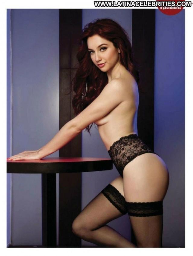 Gimena Gomez H Para Hombres Latina Celebrity Brunette Sensual Posing