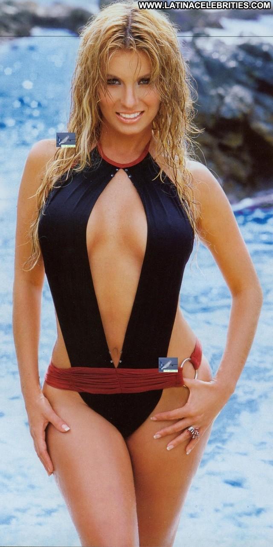 Ingrid Coronado H Para Hombres Celebrity Latina Singer Stunning