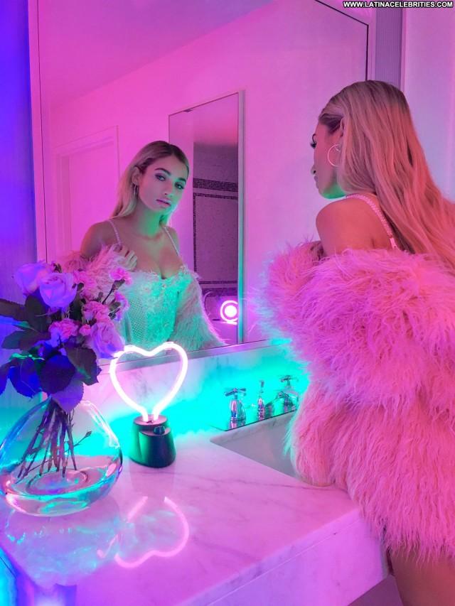 Pia Mia Perez Miscellaneous Medium Tits Skinny Latina Celebrity