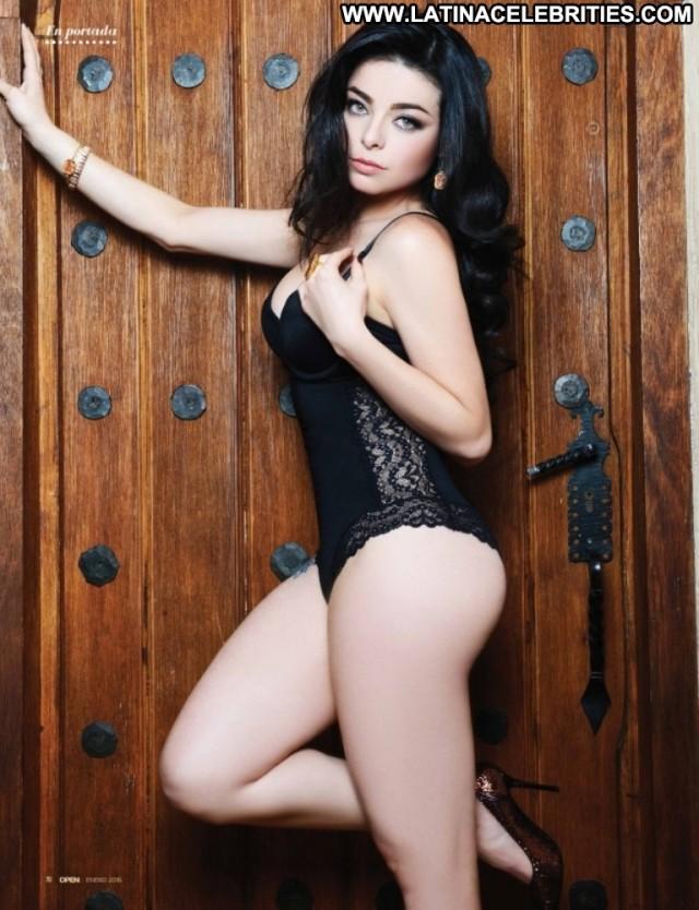 Violeta Isfel Miscellaneous Doll Brunette Celebrity Sensual Small