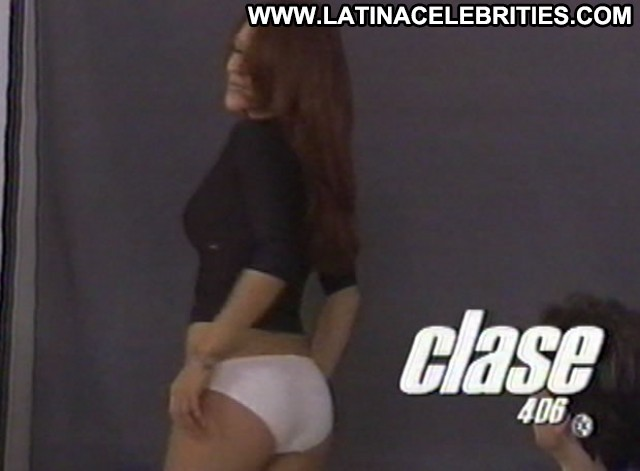 Grettell Valdez Clase Stunning Doll Gorgeous Celebrity Latina Posing