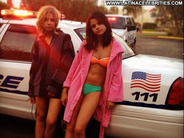Selena Gomez Spring Breakers Celebrity Latina Beautiful Brunette