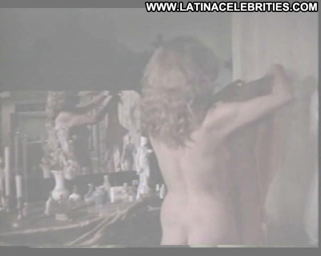 Ana Luisa Peluffo Una Rata En La Oscuridad Brunette Celebrity Nice