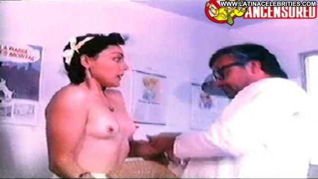 Claudia Guzm Comez Posing Hot Celebrity Latina Small Tits Brunette