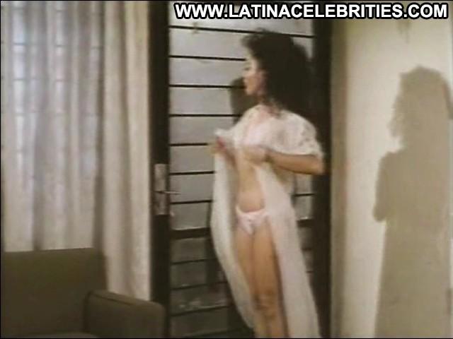 Claudia Guzm El Agarratodo Brunette Cute Latina Hot Celebrity