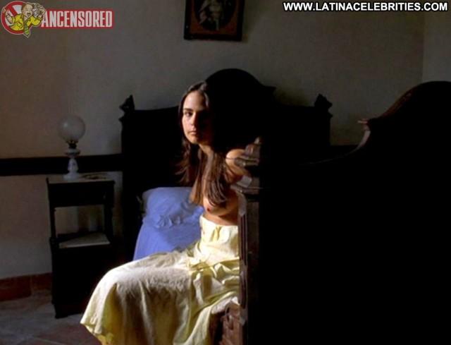 Jordana Brewster The Invisible Circus Gorgeous Medium Tits Latina