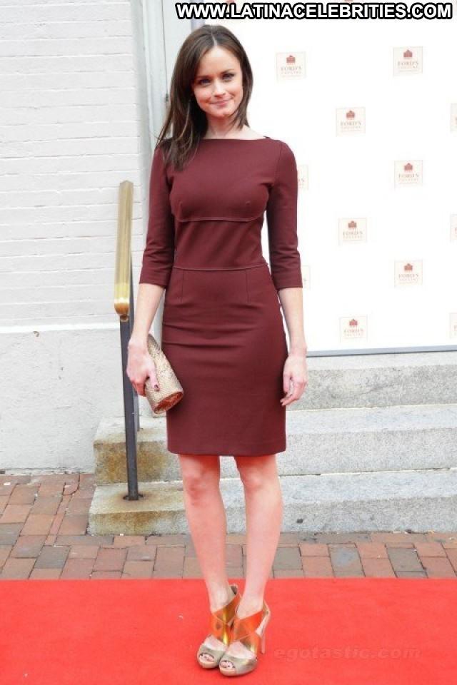 Alexis Bledel Miscellaneous Skinny Latina Brunette Hot Medium Tits