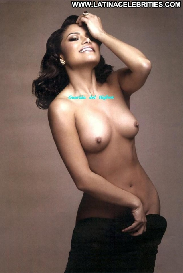 Vanessa Bauche Nude