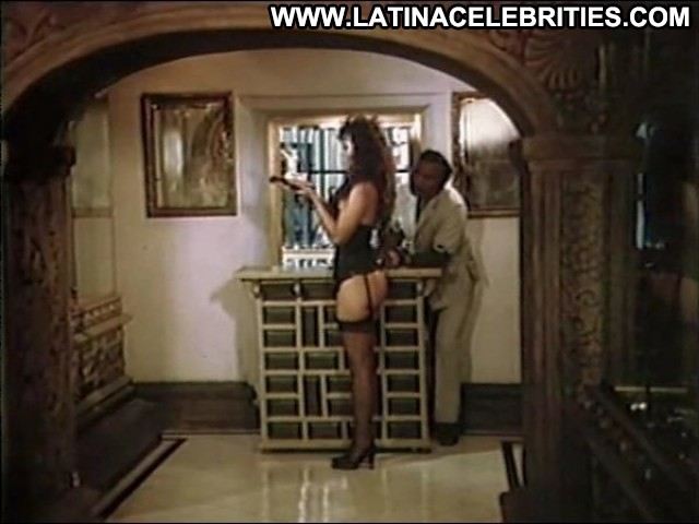 Yirah Aparicio Que Buena Esta Mi Ahijada Posing Hot Doll Latina