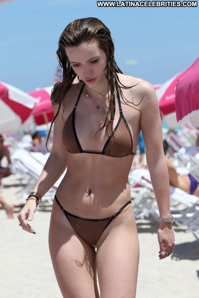 Bella Thorne No Source  Celebrity Beautiful Candids Babe Posing Hot