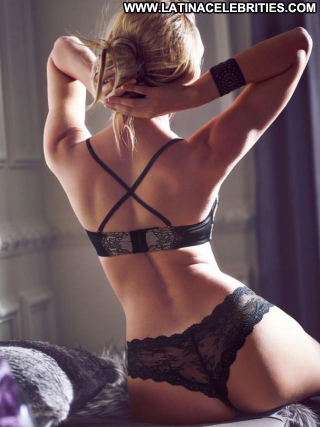 Candice Swanepoel No Source  Beautiful Babe Posing Hot Celebrity