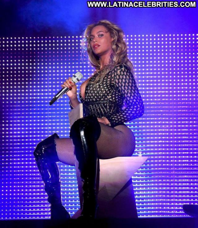 Beyonce No Source Posing Hot Celebrity Beautiful Babe