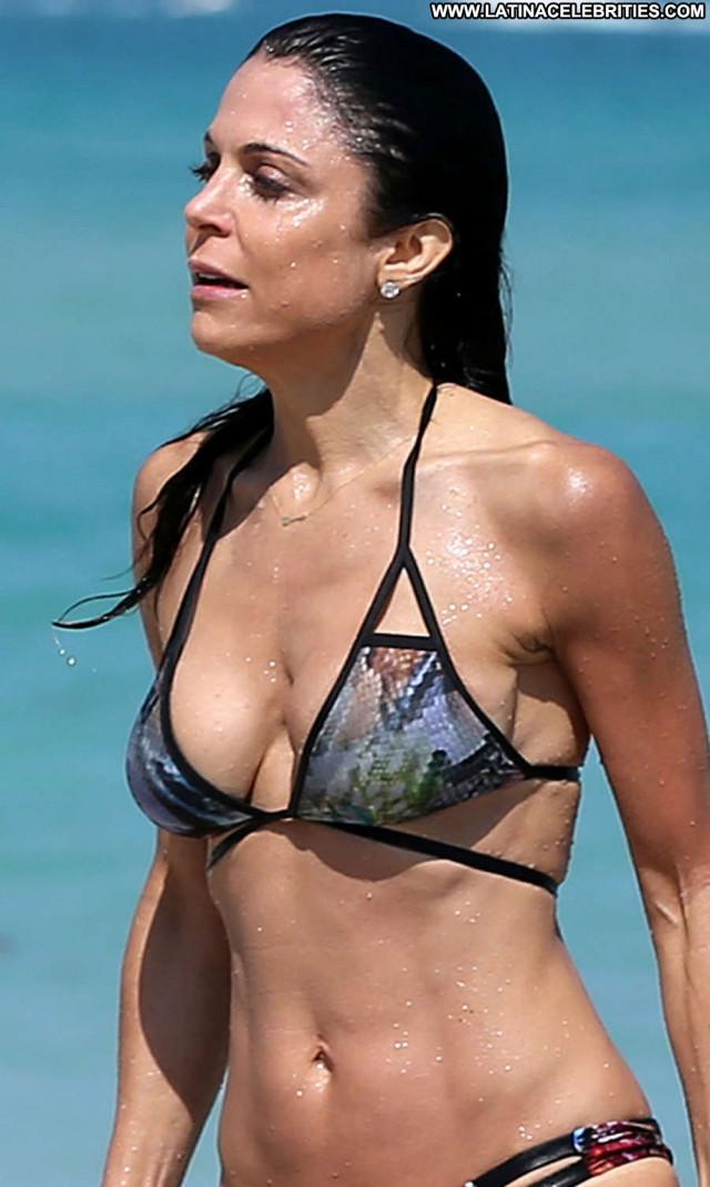Bethenny Frankel The Beach Beautiful Posing Hot Beach Celebrity