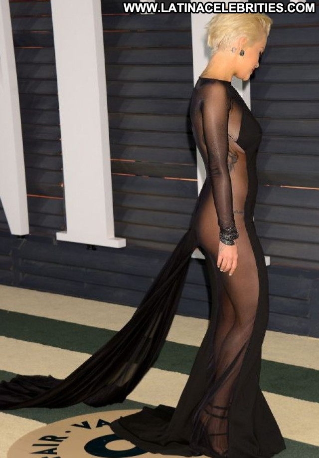 Rita Ora Vanity Fair  Posing Hot Babe Beautiful Party Celebrity
