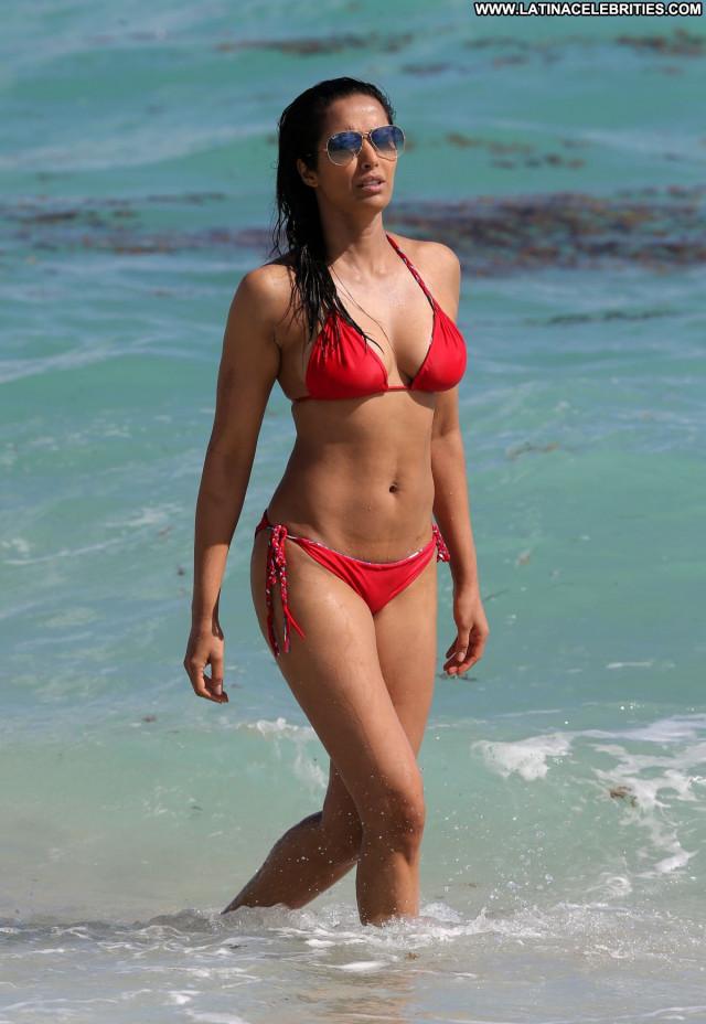 Padma Lakshmi No Source Sexy Celebrity Babe Posing Hot Bikini