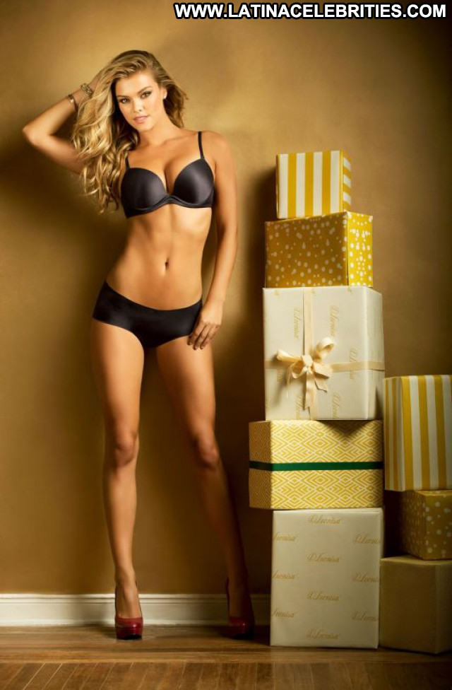 Nina Agdal No Source Christmas Lingerie Beautiful Babe Celebrity
