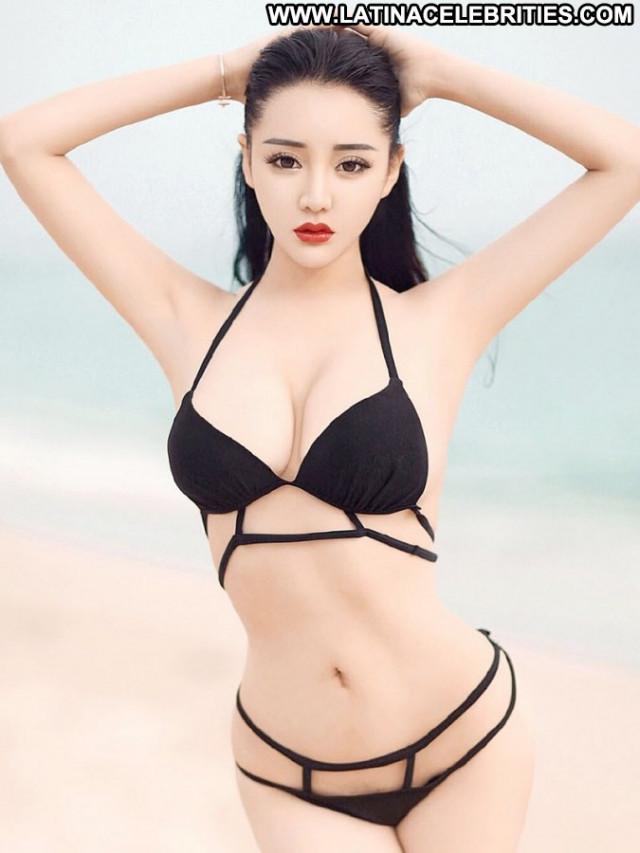 Mai Ping Guo Asian Babe Posing Hot Beautiful Celebrity Black Model