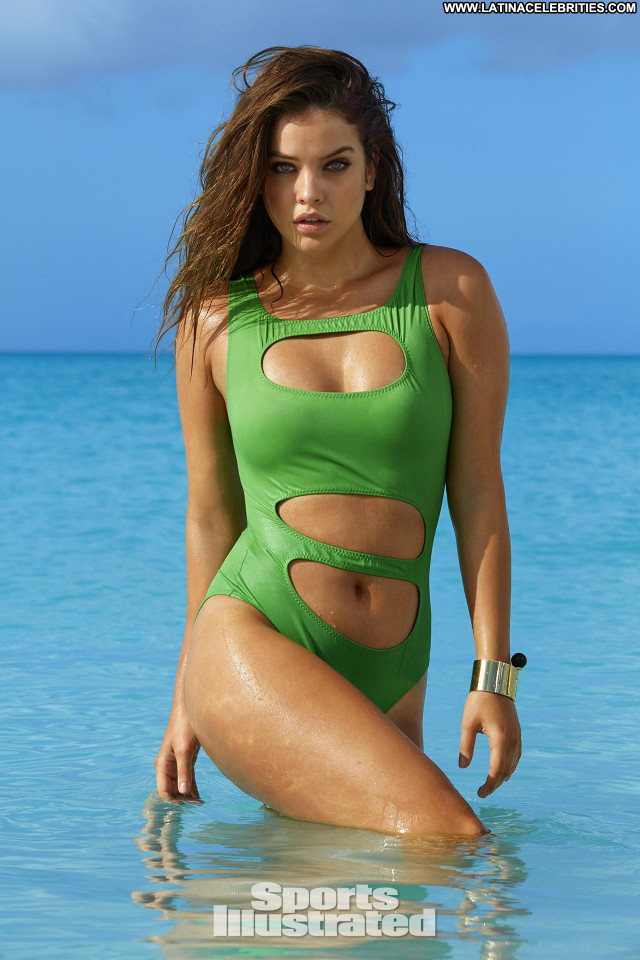 Barbara Palvin Sports Illustrated Swimsuit Hungarian Posing Hot