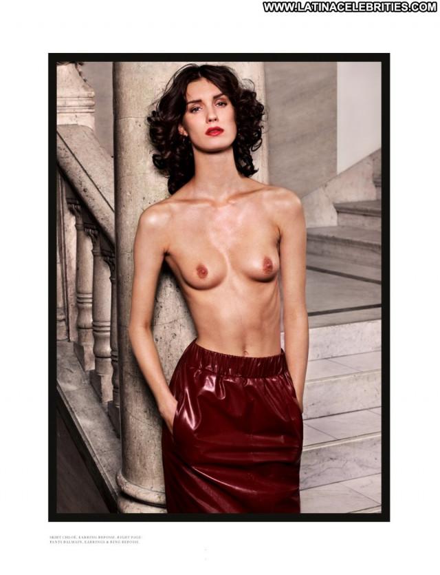 Franzi Mueller Posing Hot Beautiful German Topless Hot Babe Celebrity