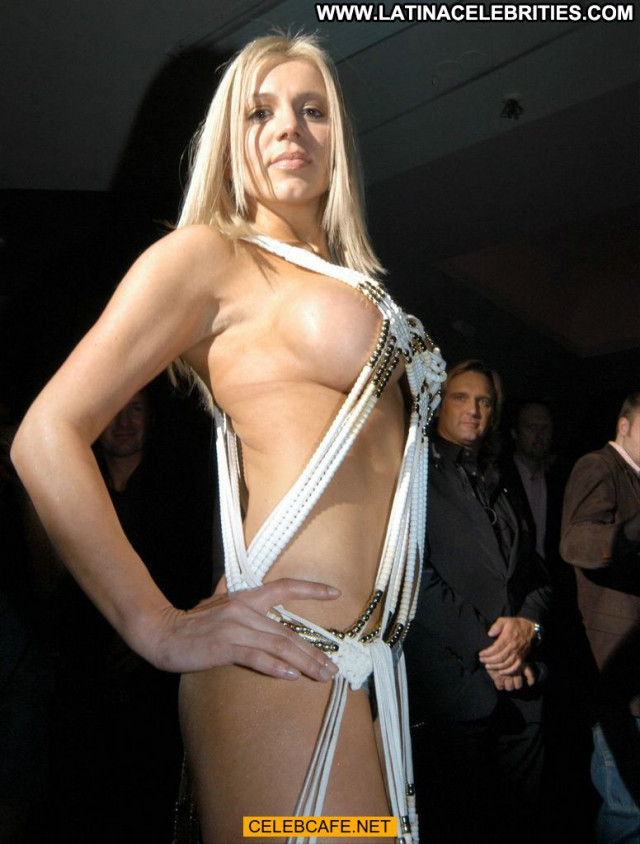 Davorka Tovilo Red Carpet Topless Babe Beautiful Toples Posing Hot
