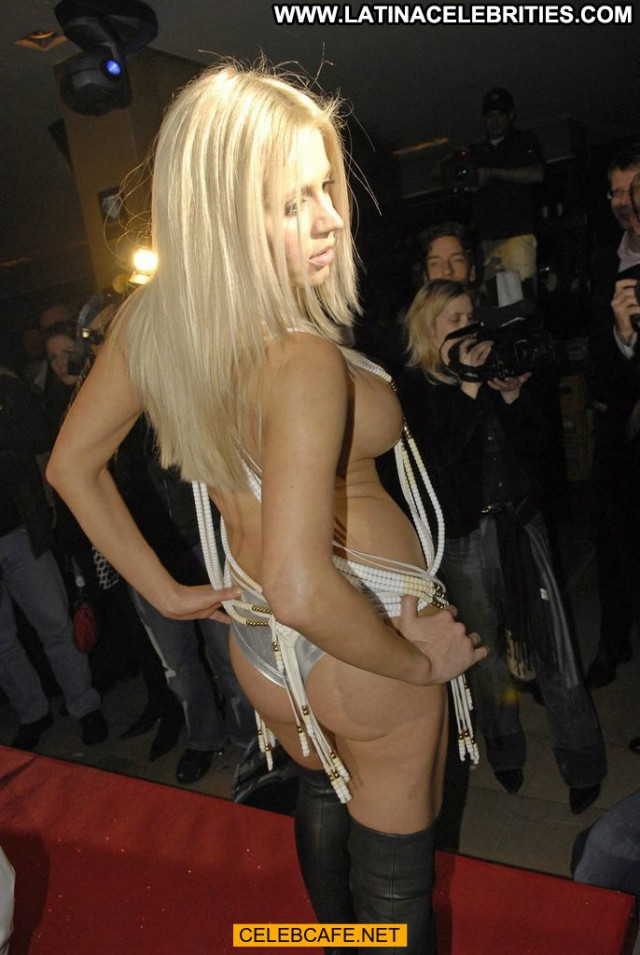 Davorka Tovilo Red Carpet Beautiful Red Carpet Babe Posing Hot Toples