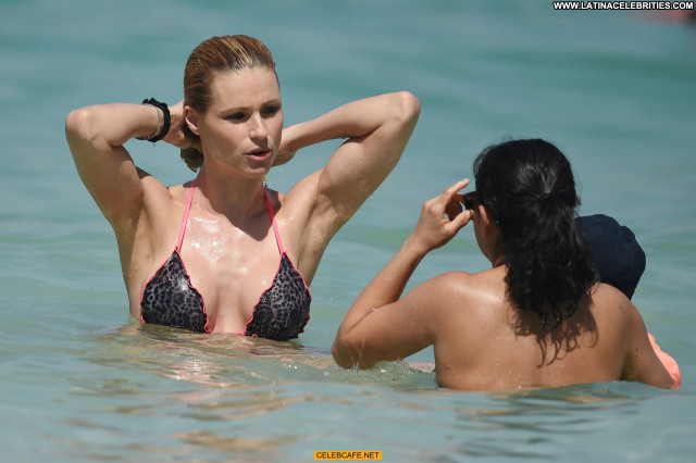 Michelle Hunziker No Source Babe Celebrity Beautiful Posing Hot