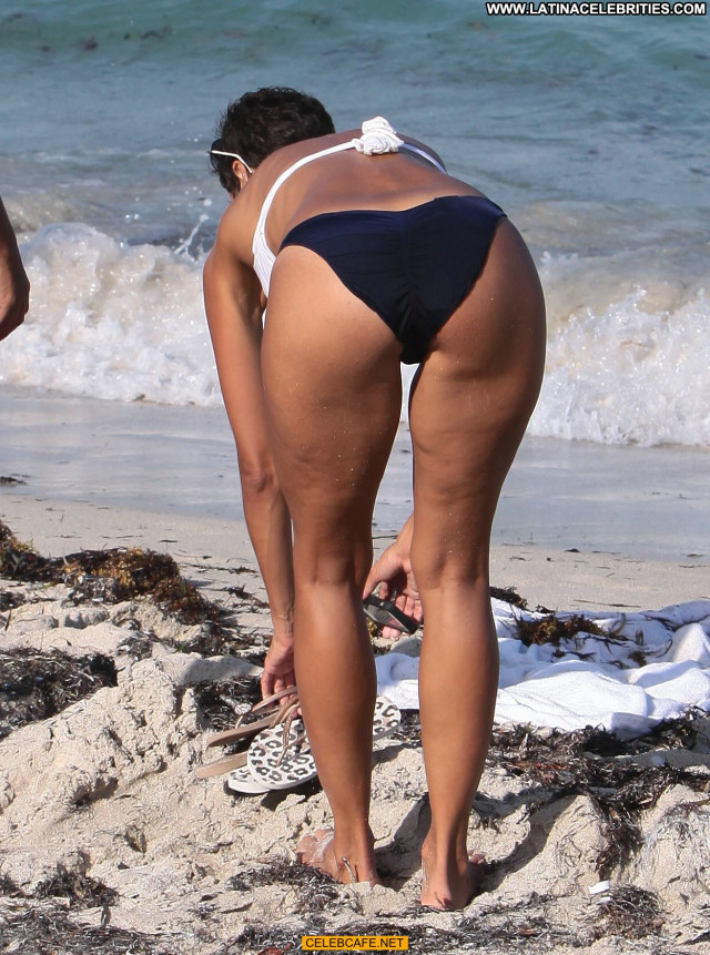 Nicole Murphy The Beach Beach Beautiful Babe Celebrity Posing Hot