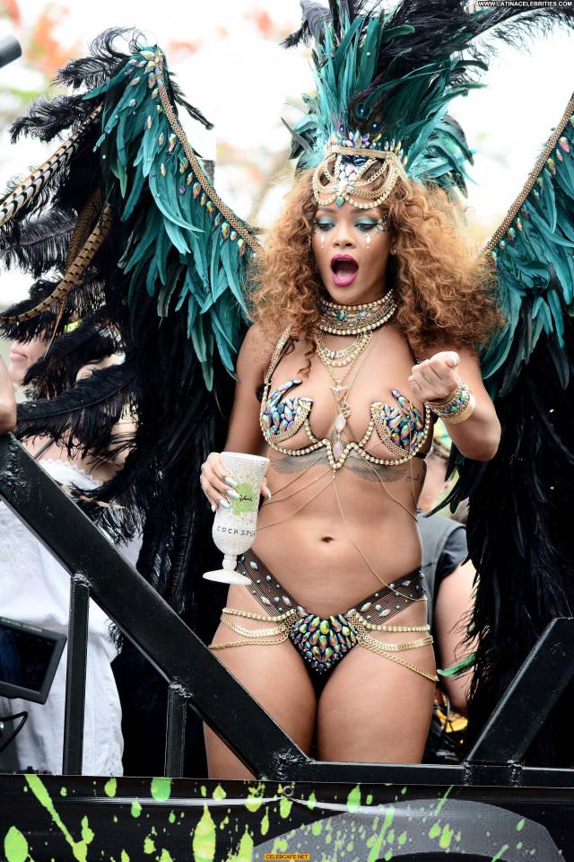 Rihanna No Source Babe Posing Hot Bar Sexy Sex Barbados Beautiful