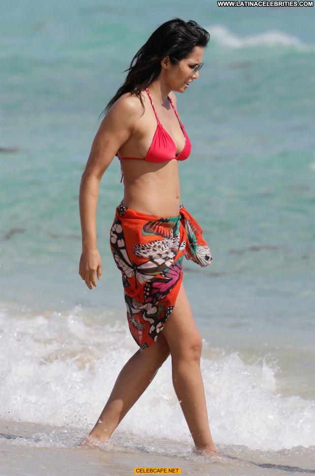 Padma Lakshmi Miami Beach Sexy Sex Posing Hot Babe Bikini Beach