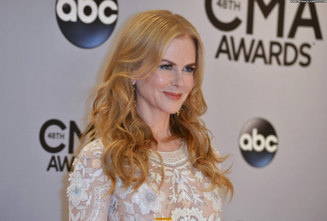 Nicole Kidman Cma Awards See Through Babe Awards Posing Hot Beautiful