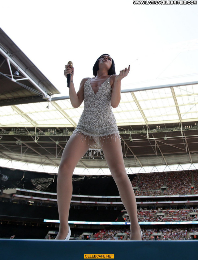 Jessie J No Source Upskirt Posing Hot Beautiful Babe London Celebrity
