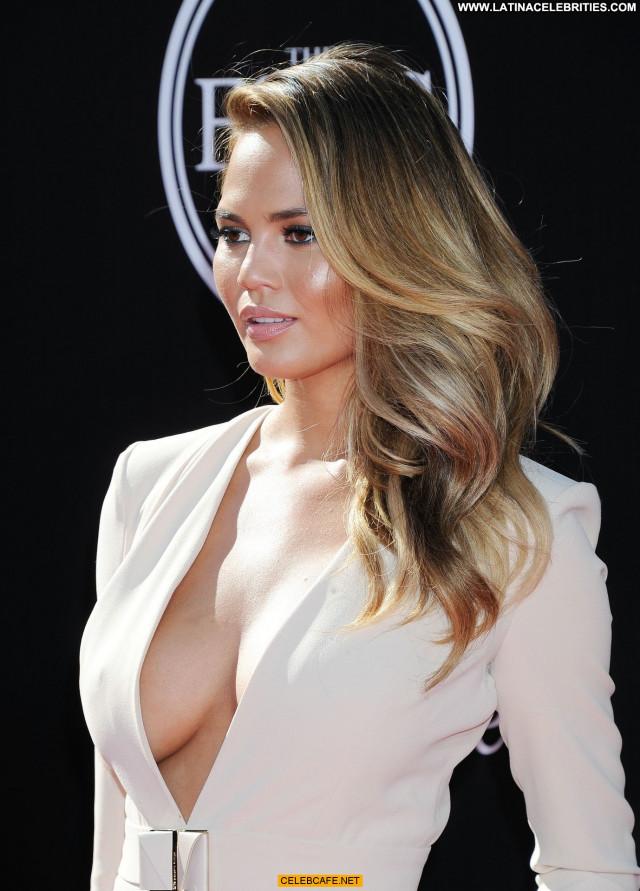 Chrissy Teigen No Source Bra Cleavage Posing Hot Beautiful Babe