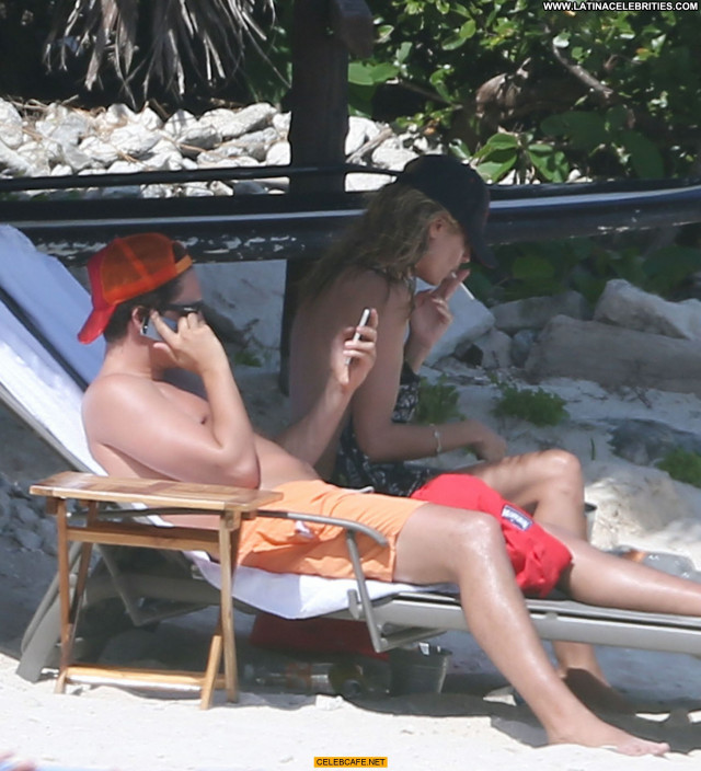 Heidi Klum No Source Topless Posing Hot Celebrity Toples Beach Babe